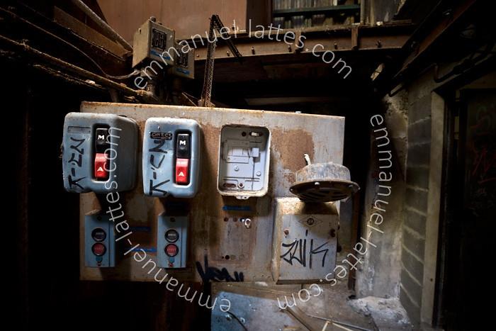 The world 39 s best photos of interrupteur flickr hive mind for Usine desaffectee exterieur