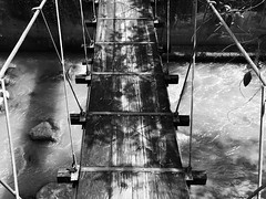 A texturized bridge (HSOBERON) Tags: iphone iphonese hernansoberon endorinc norebos endor hsoberon envigado antioquia colombia bridge puente blancoynegro