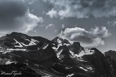Monte Perdido b/w (Manu Tejada) Tags: monte perdido pineta ordesa huesca bielsa pirineos montaas mountains baudrimont esparrets bw blanco negro nubes clouds rocks nieve snow glaciar