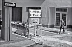 Carretera Cerrada (Samy Collazo) Tags: canond2ll industar22f35 kodaktrix400 kodakfixer kodakd76 sanjuan oldsanjuan viejosanjuan streetphotography fotografiacallejera bn bw lightroom aviary niksilverefexpro2