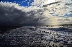 Meer bei Westkapelle (seit66farkt) Tags: meer sea brandung wellen dnung wave landscape landschaft himmel sky wolken clouds zeeland holland niederlande nederland westkapelle walcheren