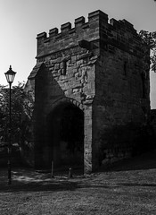 COOK STREET GATE (IAN GARDNER PHOTOGRAPHY) Tags: gate history citywall coventry cv1 monochrome