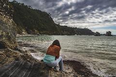 Septiembre en la playa v9 - Solo (ponzoosa) Tags: septiembre playa beach silencio cantbrico ocean mar sea cliff muchachito caraguapa