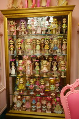 I've been away for soooo long... (Primrose Princess) Tags: dollytime kenner blythe doll 1972 takara blythedoll kennerblythe dollydreamland dolldisplay dollcollection pink vintage french furniture antiques chandelier vintagemannequinhead dollhouse