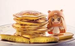 Yummy, Yummy, Yummy (theramencupgirl) Tags: manga anime toyphotography figure nendoroid japan umaruchan himoutoumaru yotsuba christmas pancakes