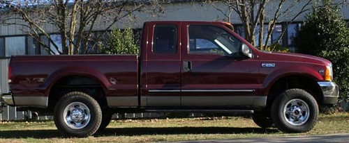 2000 Ford F250 Lariat 4X4 Extra Cab Pick Up ($8,400.00)