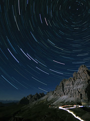 The arrow of time (Robyn Hooz) Tags: foto polare esposizione cime lavaredo auronzo volta celeste cerchi circles polar star strartrail