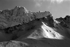 Shining ridges (threepinner) Tags: mountainsnaps taisetsunationalpark kamifurano hokkaidou hokkaido northernjapan japan winter snow daytime 135mm mzm pentax smcpentax f35 kodak microfilm imagelink hq selfdeveloped