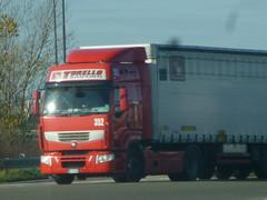 torello premium (franzkk) Tags: tor torellotrasportiscaniaivecorenaultvolvomercedesmandaftransportcamionlkwtrucktruckertuningraceracingv8500fhhauliermagnumpremiumstralisscanistalineindexfh4autotrenobigatelonatocentinatovascarottamivolumenmaxifrigorificos torello trasporti renault premium camion trucks lkw red tn semi carrier trailer inter lorry speed line cool lines auto route