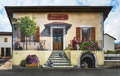 Auberge Communale (Paco CT) Tags: construccion construction elementoconstructivo fachada trampantojo trompelœil art arte facade front structure sergy ain france fra house outdoor town 2016 pacoct