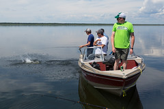 Flyin' Fish (Rob Kunz) Tags: lake water recreation kunz sportsrecreation