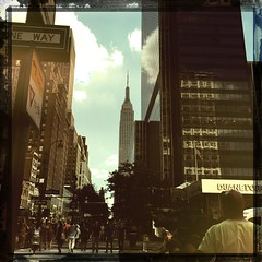 It's a beautiful day in the neighborhood #EmpireStateBuilding (starknurse) Tags: hipstamatic chunkylens canocafenolfilm