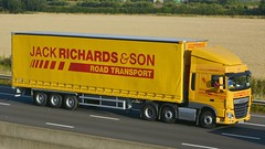 DA15 ESF (panmanstan) Tags: truck wagon motorway yorkshire transport lorry commercial vehicle freight sandholme m62 daf xf haulage hgv curtainsider