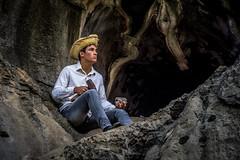 Cocos - BA (Keops Maciel) Tags: people stone canon pessoas salvador pedra