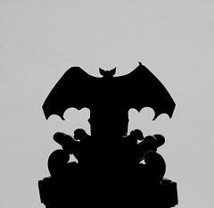 Spagna 14 (pjarc) Tags: europe europa spagna spain espana valencia 2016 simbolo symbol città city pipistrello bat foto pho bw silhouette digital nikon d40 dx 18200mm