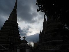 Bangkok Thailand - wat (ashabot) Tags: thailand travel dark darklight darkly twilight temples seasia bangkok thaitemple evening silhouettes silhouette