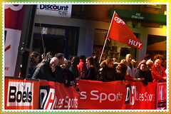 manifestation cycliste (philippejeanne) Tags: cyclisme manifestation public foule drapeau fgtb syndic syndicaliste revendication rouge