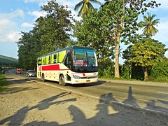 Davao Metro Shuttle 520 (Monkey D. Luffy 2) Tags: bus mindanao photography philbes philippine philippines photo enthusiasts society yutong