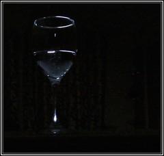5638  Low key glass composition (Andy - Busyyyyyyyyy) Tags: glass backlit lemonade ggg lowkey wineglass www stilllife sss