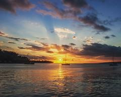 Watching the sunset in to the Pacific is beautiful (kevin2367) Tags: vanuatu portvila sunset pacificisland clouds sun landscape landscapephotography sky paradise nature beautiful efate coucherdesoleil soleil paysage travelphotography travels adventure holiday ocean pacifique lastlight light