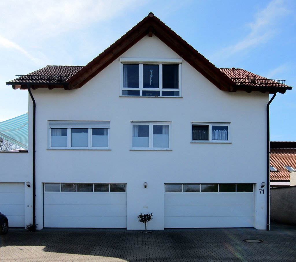 Einbaumhaus / One Tree House (bartholmy) Tags: Baltmannsweiler Bawü Haus  House Residence