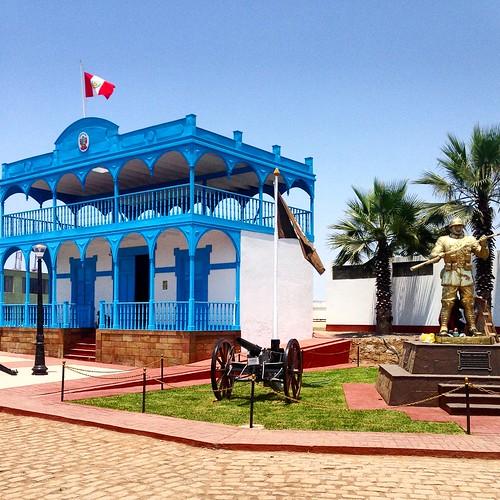 Réplica Casa de la Respuesta y Monumento al Soldado desconocido - Fortaleza Real Felipe, Callao, Perú