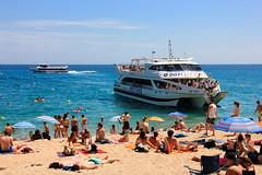 Prts  Descendre (Bernard Bost) Tags: 2016 canon espagne espanya spain catalogne catalunya catalonia lloretdemar plage beach mer sea mditerrane mediterranean bateau boat