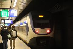 20161127 0535 (szogun000) Tags: amsterdam netherlands nederland railroad railway rail ns station schipholairport ezt emu set electric class2600 s70 sprinterlighttrain slt train pocig  treno tren trem passenger commuter sprinter noordholland northholland canon canoneos550d canonefs18135mmf3556is