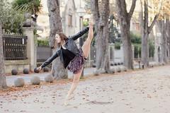 Dance this Town! (Pelayo Gonzlez Fotografa) Tags: bailarina mujer woman retrato female portrait dance dadnza ballet ballerina dancer pointe shoes street calle