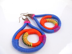 Wrapped earrings. (Pinkmind) Tags: blue colorful handmade jewelry earrings etsyeoutrascriacoes pinkmind