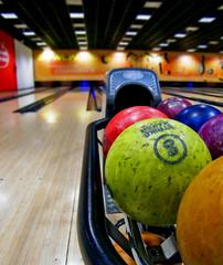 Bolera (Daniel Marfil Vara) Tags: fun interior bowling bolera bolos diversión