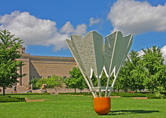 William Rockwell Nelson Gallery of Art (6 of 7) (gg1electrice60) Tags: kansascity missouri artmuseum badminton sculptures shuttlecock oversize jacksoncounty artsbuilding east45thstreet rockhillroad kansascitysculpturepark rockhillrd 4525oakstreet williamrockwellnelsongalleryofart akanelsonartgallery akamuseumoffinearts 4525oakst emanualcleaverboulevard emanualcleaverblvd efortyfifthst akanelsonatkinsmuseum claescoosjevanbruggen