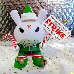 Grumpy Elf (danimaniacs) Tags: frank toy vinyl kidrobot plastic kozik dunny