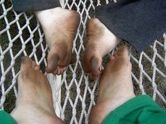 372945373gralCI_fs (Zappacity) Tags: girls toes sitting hammock barefoot filthy soles grubby dirtyfeet