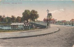 Ansichtkaart - Gorinchem, Aan het kanaal (Uitg. K.D.J.R. O 4662 25) (Barry van Baalen) Tags: gorinchem bridge brug stationsweg kanaal kanalen ansichtkaart ansicht postcard