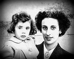 Baby Kay (Kay Harpa) Tags: enfance childhood biarritz 50ies littlekay blackandwhite familyphotos france thebiggestgroup