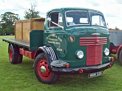 315 Commer QX R Series II Flatbed (1953) (robertknight16) Tags: commer british 1950s qx rootes truck lorry luton mnm328