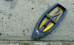 Yellow boat (YellowSingle 单黄) Tags: yellow boat socoa harbor low tide atlantic ocean leica