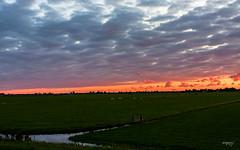 Sunset at Volendam (Maria Foti) Tags: sunset sunsets tramonto tranquillity volendam holland olanda paesibassi landscape