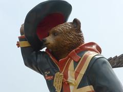 Cumprimento (Jnio Klo #9) Tags: chapu urso cumprimento despedida