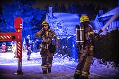 lmh-rundtjernveien121 (oslobrannogredning) Tags: bygningsbrann brann brannvesenet brannmannskaper slokkeinnsats brannslokking brannslukking røykdykker røykdykkere røykdykking