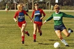 På banen (Steenjep) Tags: fodbold soccer game sport simmelkær simmelkærboldklub sbk damer serie2 minolta x370 tamron70210 hoki