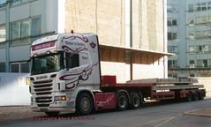 Scania R560 V8 BG92071 low loader delivers cast concrete (sms88aec) Tags: scania r560 v8 bg92071 low loader delivers cast concrete