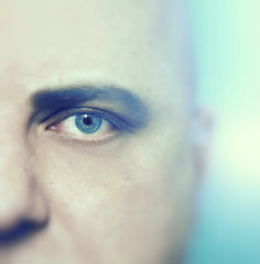 Eye (-Simulacrum-) Tags: nikond5300 sigma1750mm humanface face blur depthoffield creative cold blueeyes