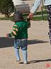 Chapeau...les premiers pas à Versailles pour ce bébé (mamnic47 - Over 6 millions views.Thks!) Tags: versailles chateaudeversailles lesgens yvelines img1502 enfant