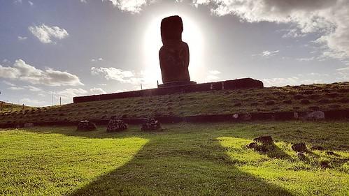 Moai!