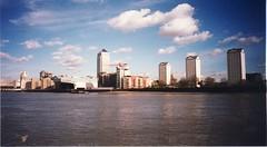 1999-10-London-13 (fjordaan) Tags: london thames 1999 scanned thamesboattrip
