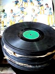 Vinyl (Erwinke) Tags: music shop vintage 33 cuba vinyl 45 lp cuban 78 santiagodecuba longplayer cubano