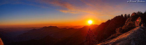 "Sunset from Moro Rock • <a style=""font-size:0.8em;"" href=""http://www.flickr.com/photos/59465790@N04/20637429945/"" target=""_blank"">View on Flickr</a>"