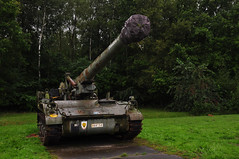 M110A2 Self-Propelled Howitzer (larry_antwerp) Tags: museum army military brasschaat gunfire howitzer selfpropelled m110a2